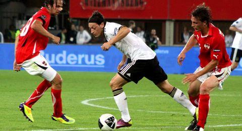 التلفزيون الرسمي الصيني يقرر عدم بث مباراة أرسنال بعد تعليقات أوزيل حول مسلمي الأويغور