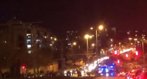 مستوطنون يغلقون طريقا حيويا وسط القدس المحتلة