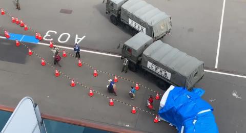 سفينة الكورونا تبدأ بإخلاء سبيل الركاب ومن بينهم إسرائيليين