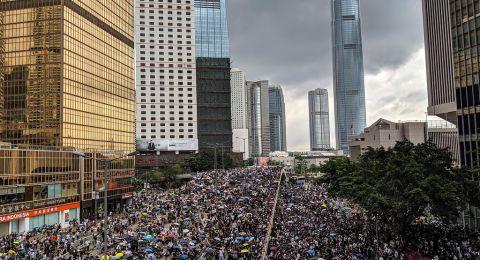 هونغ كونغ تؤكد إصابة شرطي بفيروس