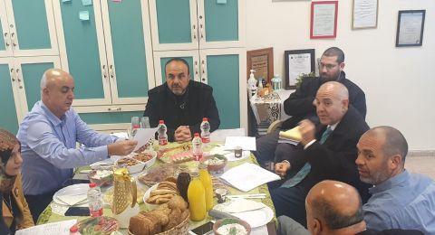 مدير عام وزارة التربية والتعليم يزور قرية جسر الزرقاء