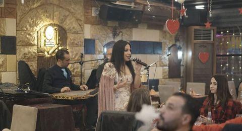 رزان تخطف الانظار بالاحمر.. وتقدم حفلين مميزين في اسطنبول