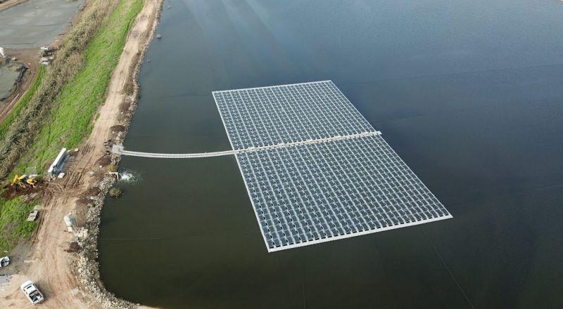 في الجلبوع، مشروع غير مسبوق: ألواح لإنتاج الطاقة الشمسية على برك الأسماك