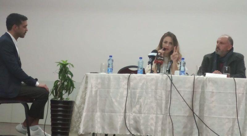 الفنانة دلال أبو آمنة تعلن عن إطلاق ألبومها