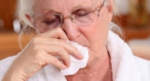 اللعاب يساعد كبار السن على مقاومة الأنفلونزا