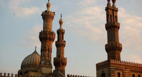 هل يعادي الإسلام مخالفيه ويتعصب ضد العقائد الأخرى؟..