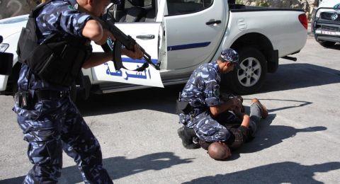 أنباء أن عناصر الشرطة الفلسطينية أطلقوا النار على متنزهين إسرائيليين
