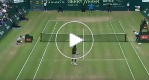 الفرنسي مونفيس يُسحر بنقطة رائعة في التنس