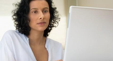 4 نصائح لوقاية العيون من مخاطر شاشة الحاسوب