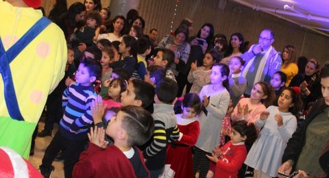 السكان العرب يحتفلون بالميلاد في كريسماس ماركت نتسيرت عيليت