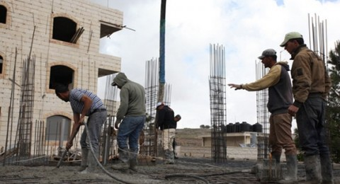 منع العمال الفلسطينيين غدًا من الوصول إلى عملهم في المستوطنات!