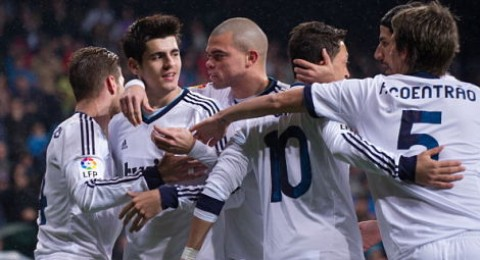 الريال وبعشرة لاعبين يفوز على رايو فاليكانو (2-0)