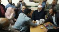 مصري أصم يعقد قران ابنته بلغة الإشارة والعروس تترجم