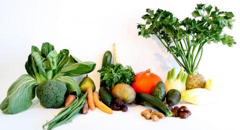 الخضراوات الطازجة أم المطهية.. أيهما أكثر فائدة؟