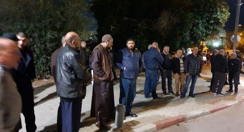 وقفة احتجاجية في بيارة دكة بيافا تنديداً بالمداهمات المتكررة