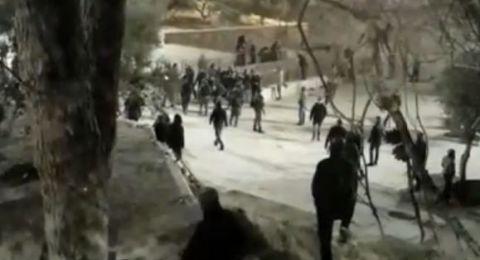 القدس: اقتحام الاقصى والاعتداء على المرابطين عند باب الرحمة