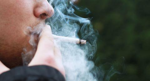 دراسة أمريكية: التدخين يدمر الرؤية