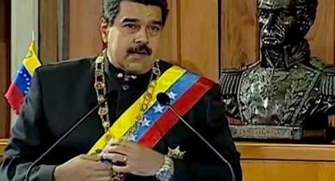 مادورو يعلن قطع العلاقات الدبلوماسية مع كولومبيا ويمهل طاقم السفارة 24 ساعة لمغادرة البلاد