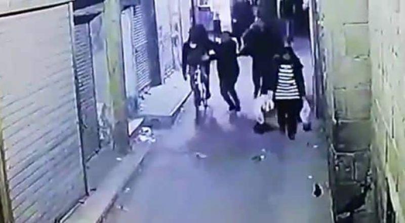 مصر: لحظة تفجير الإرهابي نفسه أثناء إلقاء القبض عليه داخل حارة