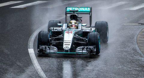 بطولة العالم للفورمولا : بطل العالم ينطلق أولا في