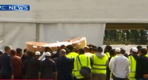 نيوزيلندا تبدأ بدفن شهداء مجزرة المسجدين بكرايست تشيرتش