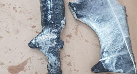الشرطة تلقي القبض على احد سكان ان الفحم بشبهة حيازة سلاح ومعدات قتالية غير قانونية