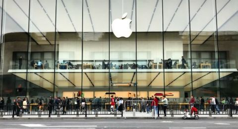 آبل تعيد فتح متاجرها في الولايات المتحدة