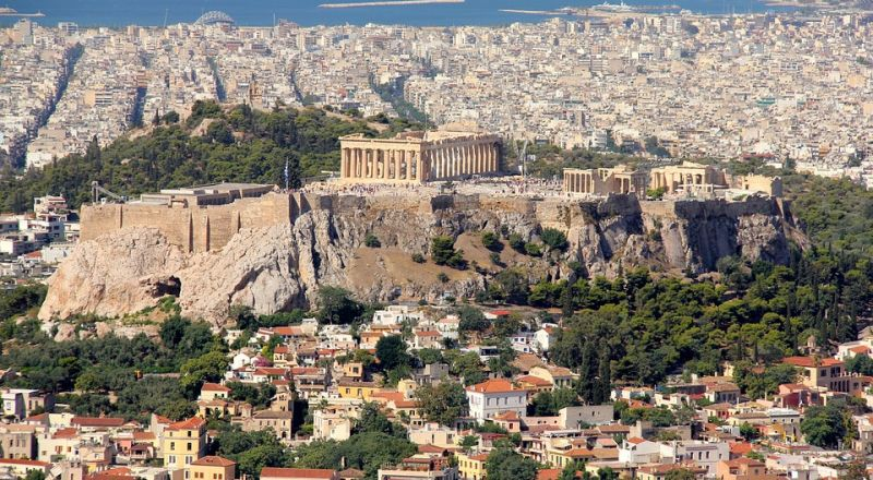 خطة بقيمة 25 مليار يورو لدعم قطاع السياحة في اليونان