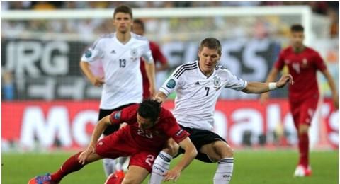 الآن مباراة ألمانيا - اليونان بجهازك السمارتفون !