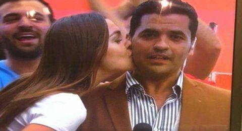 نقل مذيع مصري الى المستشفى بعد تلقيه قبلة روسية على الهواء