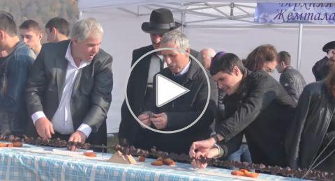 داغستان الروسية تعتزم دخول غينيس بأطول شيش لحم وأعلى سيخ شاورما