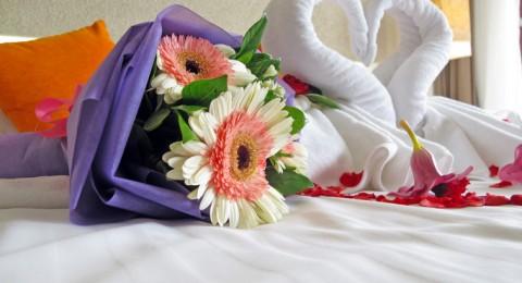 طرق لجعل غرفة النوم اكثر رومنسية
