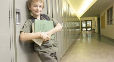 الأطباء يطالبون المدارس بتأخير دواماتها، والسبب صادم!