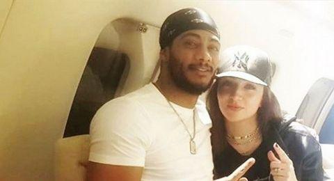 محمد رمضان يغازل زوجته في الطائرة