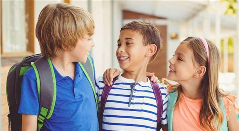 7 طرق لتجعلي طفلك شجاعاً ومتعاوناً في المدرسة