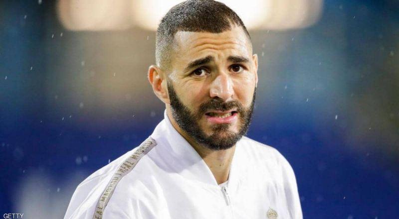 بعد تدوينته المثيرة.. هل يرتدي بنزيمة قميص منتخب الجزائر؟
