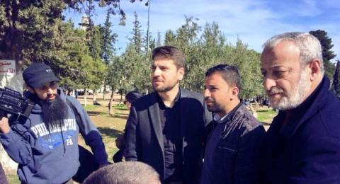 حصريا بالصور: المنشد  سامي يوسف في باحات الأقصى