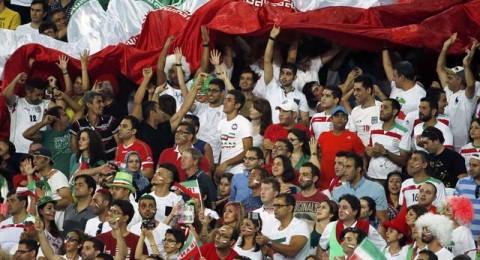الاتحاد الايراني قد يعاقب لاعبيه بسبب التقاط الصور مع الفتيات!