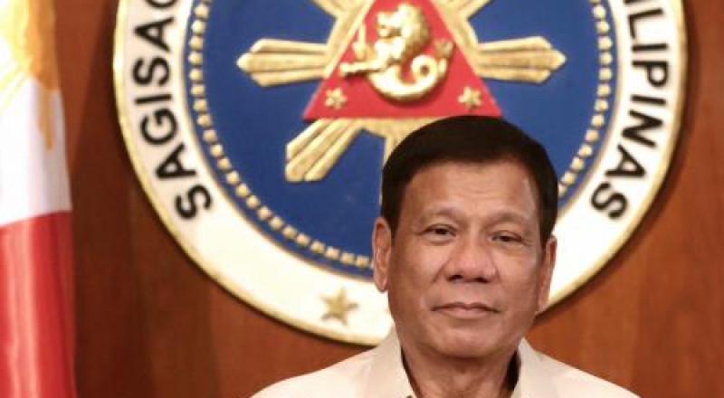 رئيس الفلبين ينصح بالتخلي عن الواقي الذكري