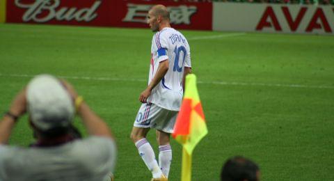 زيدان يعلق على أنباء رحيله عن ريال مدريد