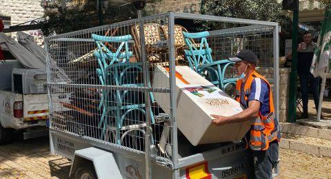 الناصرة- شهوان: بلدية الناصرة أزالت الطاولات من أمام مطاعم العين بشكل مقزز