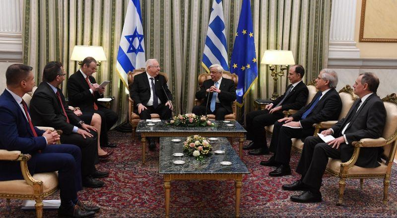 إسرائيل توقع مع اليونان أكبر صفقة بين الجانبين في مجال السلاح