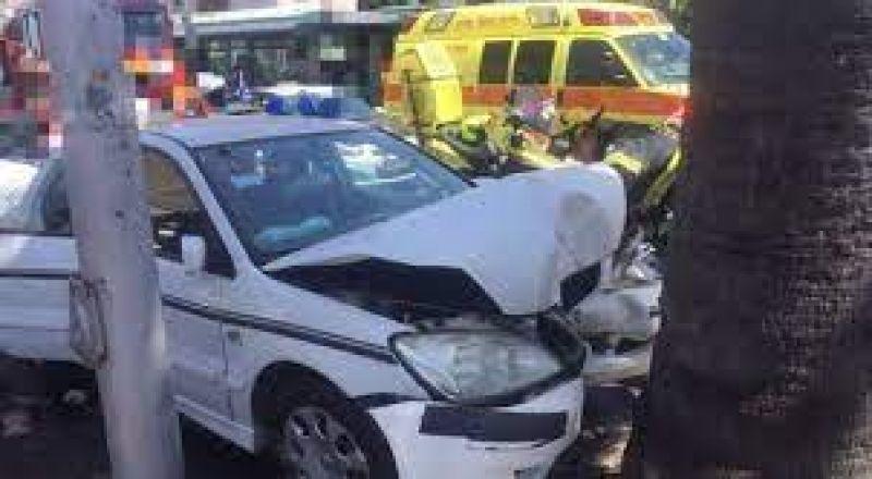 اكسال: اصطدام سيارة بجدار باطون واصابة متوسطة