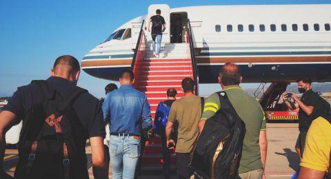 فريق اساطير برشلونة في طريقه إلى البلاد