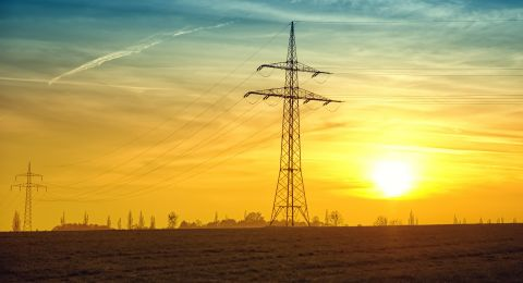 آلاف المنازل يمكنها الانفصال عن شركة الكهرباء والانضمام لشركات اخرى بتسعيرة اقل