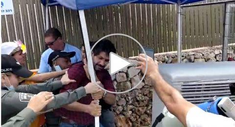 تظاهرة واعتقالات امام منزل رئيس الحكومة، والسبب؟!