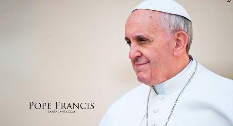 البابا يسمح لفتاة مريضة بالرقص على المسرح أثناء العظة (فيديو)