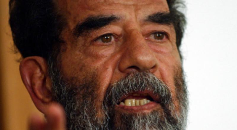 عالم أسترالي يكشف عن سبب غريب أدى لغزو العراق والإطاحة بصدام
