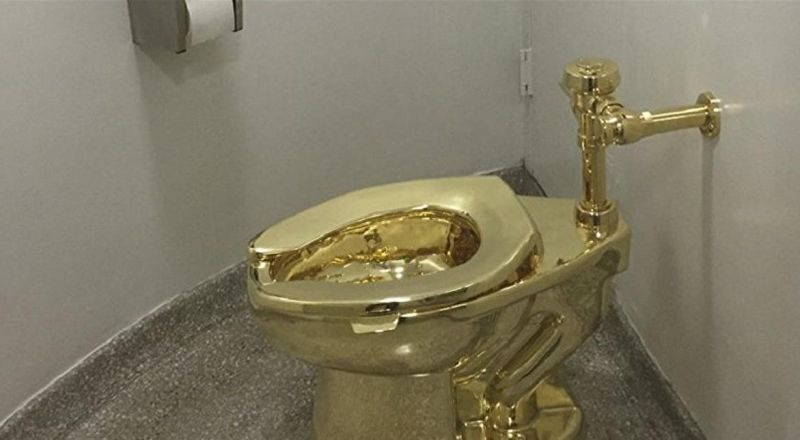 مرحاض من الذهب في قصر بلينهايم.. شروطه استخدامه