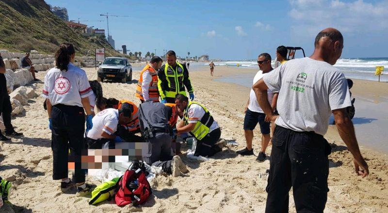 غرق رجل ستيني بشاطئ قرب نتانيا .. والإعلان عن وفاته